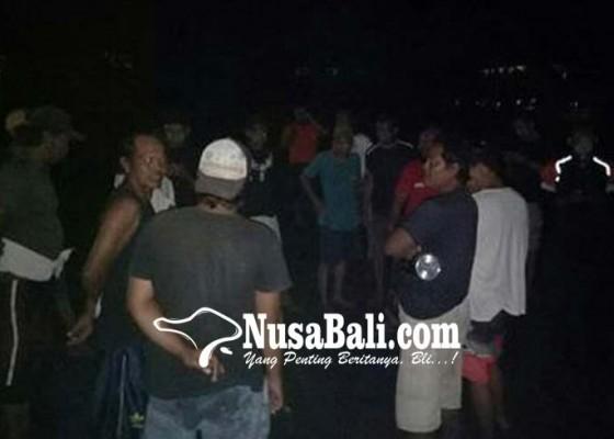 Nusabali.com - potongan-kaki-bayi-tergeletak-di-pantai