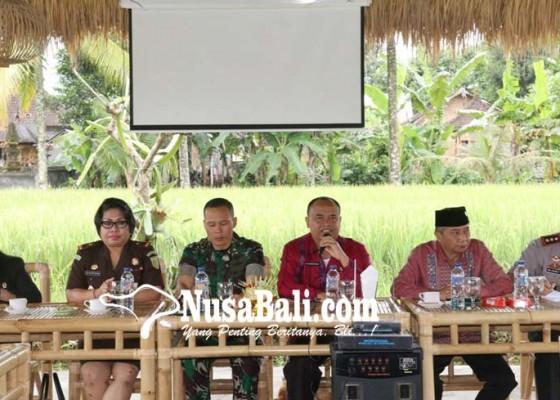 Nusabali.com - utang-hotmix-2016-capai-rp-10-m