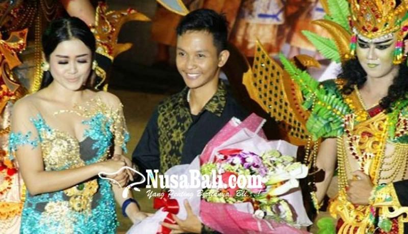 www.nusabali.com-plaza-renon-hadirkan-desainer-muda-berbakat