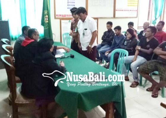 Nusabali.com - belasan-pelanggar-mengikuti-sidang-tipiring