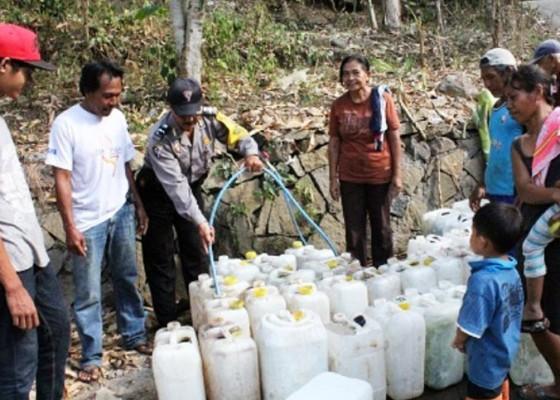 Nusabali.com - polisi-turun-tangan-atasi-krisis-air