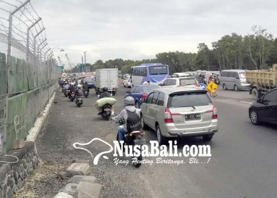 Nusabali.com - krodit-pengendara-diharapkan-lewat-tol