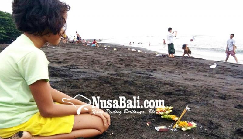 www.nusabali.com-siwaratri-di-pantai-kerobokan