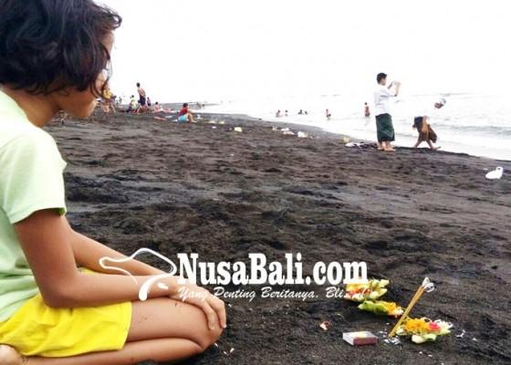 Nusabali.com - siwaratri-di-pantai-kerobokan