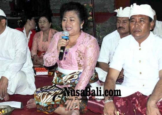 Nusabali.com - bupati-karangasem-rayakan-siwaratri-bersama-krama-subagan