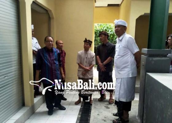 Nusabali.com - menkop-ukm-tinjau-pasar-desa-bayung-gede