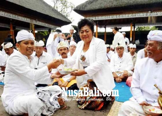Nusabali.com - muspa-di-dalem-besakih-bupati-doakan-umat-sedharma