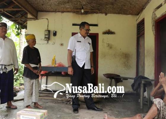 Nusabali.com - sakit-sakitan-dan-rumahnya-tak-layak-huni