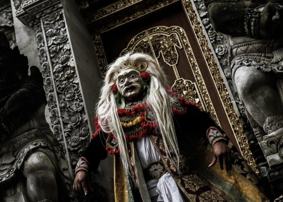 Nusabali.com - siwa-nataraja-and-dewi-sri-appear-at-balinese-living-arts-desa-visesa