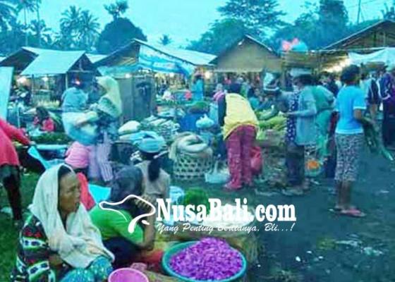 Nusabali.com - pasar-selat-dipindah-pedagang-berkurang