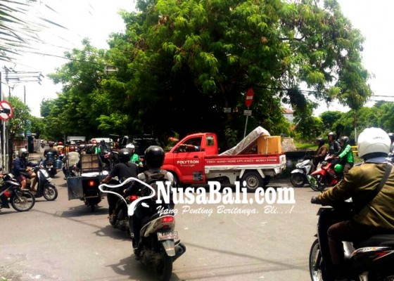 Nusabali.com - kemacetan-di-taman-pancing-dikeluhkan-warga