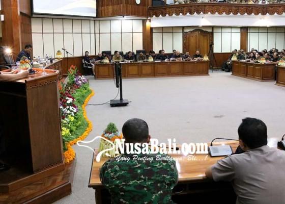 Nusabali.com - bupati-walikota-kompak-tak-hadir