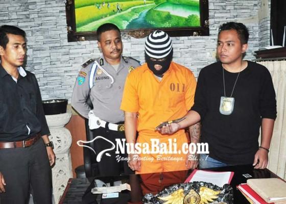 Nusabali.com - security-kafe-tikam-pengunjung