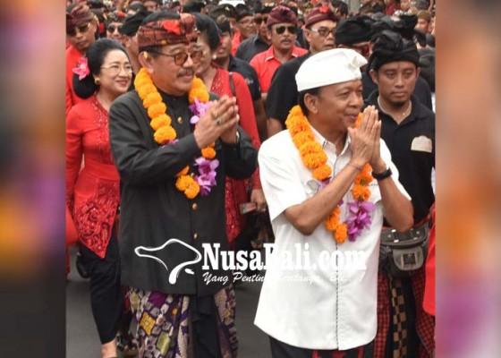 Nusabali.com - kerahkan-5000-massa-tampilkan-parade-budaya