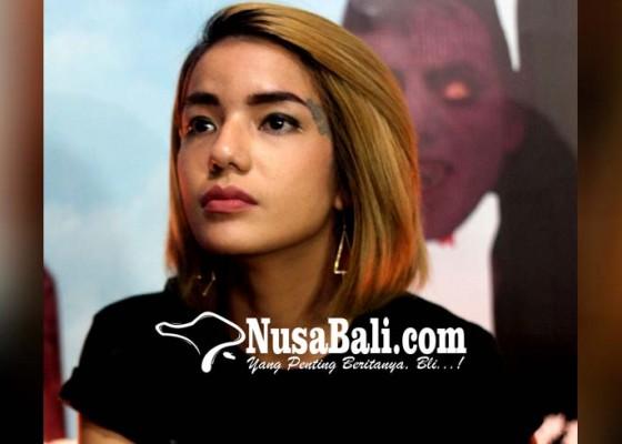 Nusabali.com - sheila-marcia-dipolisikan-sahabatnya
