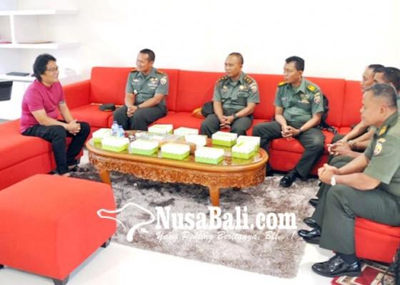 Nusabali.com - dandim-badung-berkunjung-ke-rumjab-bupati