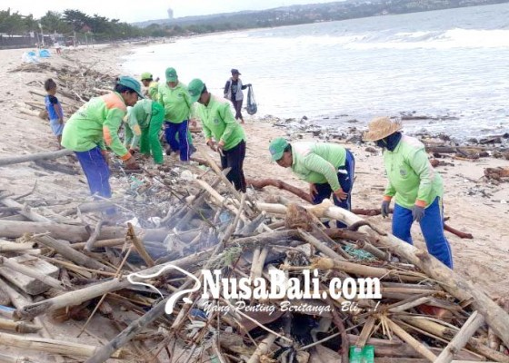 Nusabali.com - sampah-kiriman-belum-tuntas-badai-pasir-datang