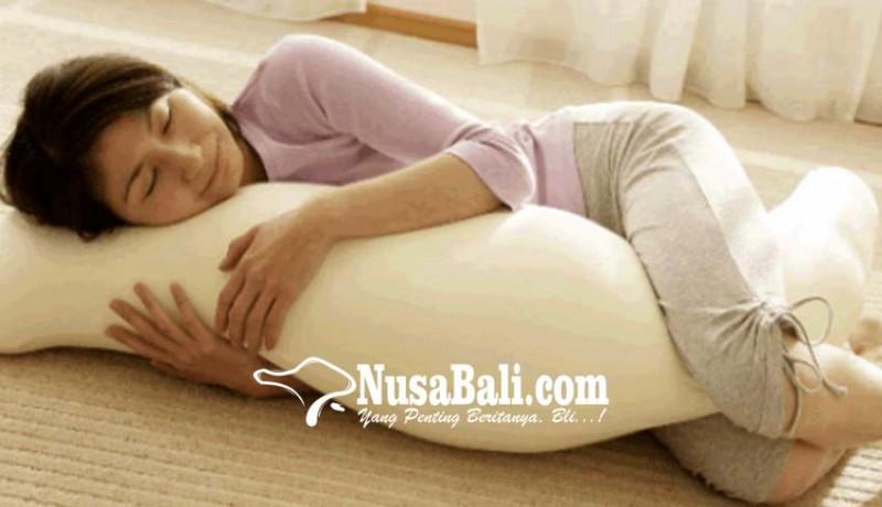 www.nusabali.com-kesehatan-tidur-dengan-guling