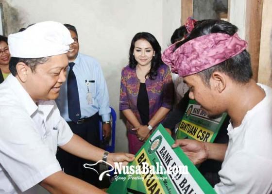 Nusabali.com - dua-kk-di-kelurahan-ubung-terima-bedah-rumah-sehat