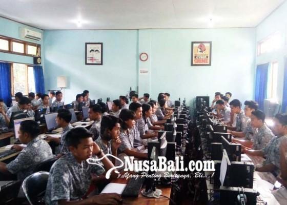Nusabali.com - smkn-2-bangli-pinjam-tempat-unbk-di-smpn-1-bangli
