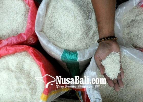 Nusabali.com - 720-kilogram-beras-terjual-selama-35-jam