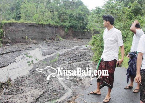 Nusabali.com - 14-ruas-jalan-di-karangasem-rusak-berat