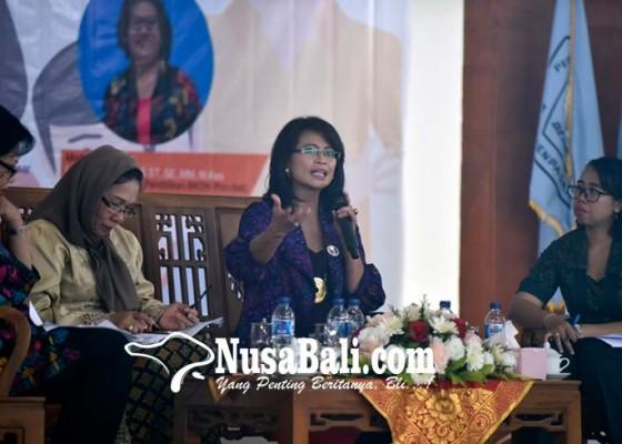 Nusabali.com - pendidikan-keluarga-cukup-berat-di-zaman-now
