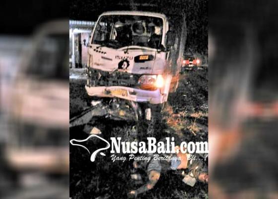 Nusabali.com - oleng-ke-kanan-truk-tabrak-pemotor-hingga-tewas