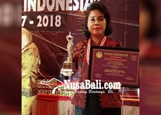 Nusabali.com - ayu-suwirta-raih-penghargaan-perempuan-indonesia-berprestasi