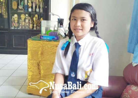 Nusabali.com - siswi-smp-sekolah-sambil-maburuh