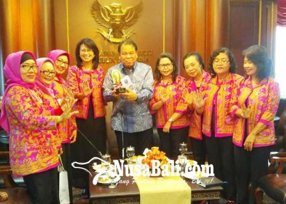 Nusabali.com - usul-digelar-debat-konstitusi-perempuan