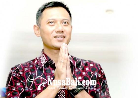 Nusabali.com - garap-pemilih-milenial-kofifah-emil-gandeng-ahy