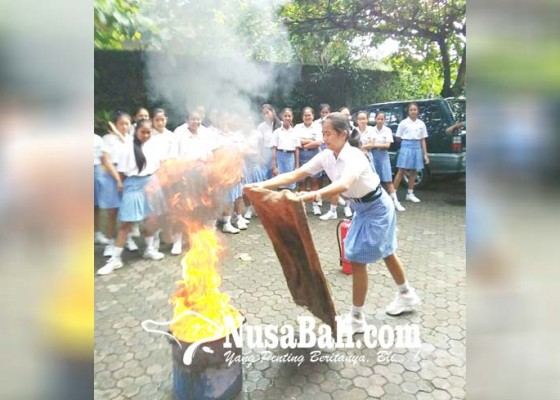 Nusabali.com - sosialisasi-pencegahan-kebakaran-sasar-pelajar-dan-anak-usia-dini