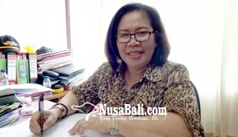 www.nusabali.com-maret-warga-terima-beras-dan-telor-gunakan-kartu-gesek