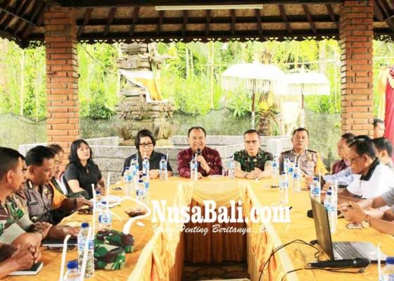 Nusabali.com - bupati-rencanakan-revisi-perbup-penataan-penelokan