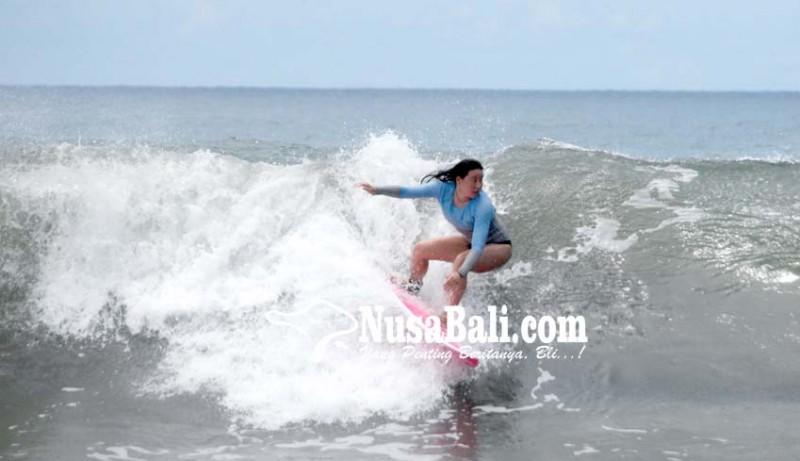www.nusabali.com-potensi-surfing-di-watu-klotok-belum-dikelola-maksimal
