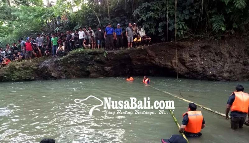 www.nusabali.com-dua-buruh-tebang-kayu-tenggelam-di-tukad-yeh-ho