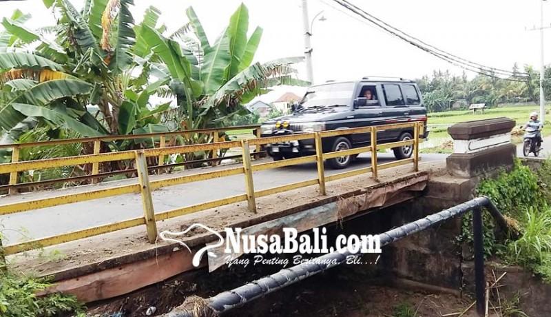 www.nusabali.com-cegah-korban-jembatan-pemaron-lebah-siung-diganti
