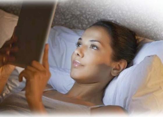 Nusabali.com - bermain-media-sosial-alami-gangguan-tidur