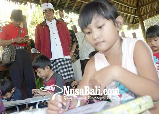 Nusabali.com - ratusan-anak-ikuti-lomba-berbusana-adat-dan-mewarnai