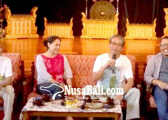 Nusabali.com - butet-kartaredjasa-bagi-tips-pertunjukan-seni
