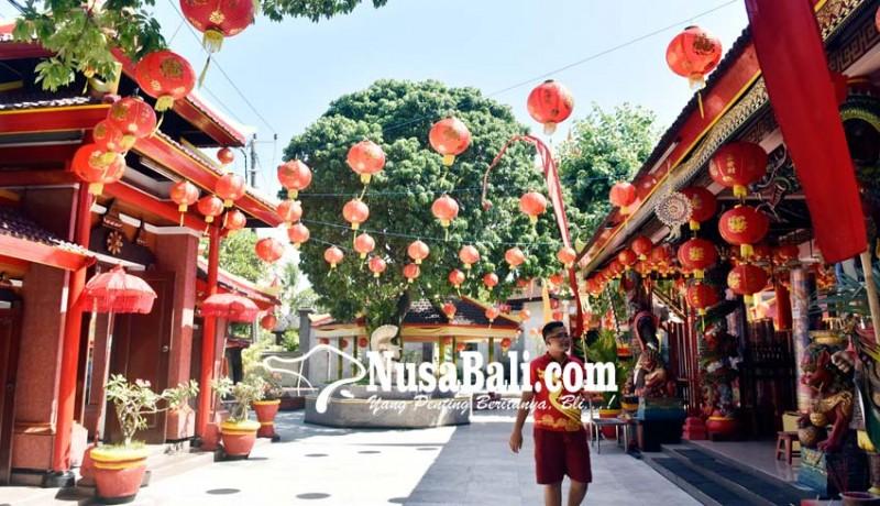www.nusabali.com-vihara-dharmayana-dihiasi-300-lampion