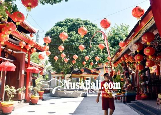 Nusabali.com - vihara-dharmayana-dihiasi-300-lampion