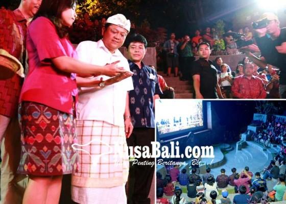 Nusabali.com - rai-mantra-resmikan-led-videotron-amphitheater-youth-park