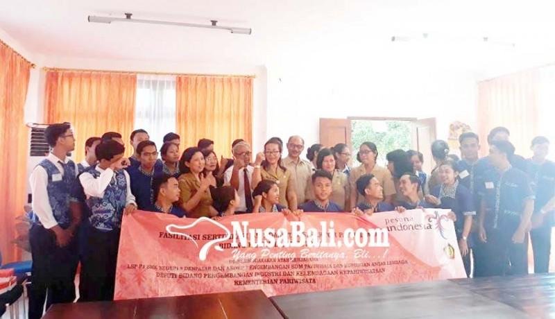 www.nusabali.com-145-siswa-ikut-sertifikasi-uji-kompetensi-lsp-p1-smkn-5-denpasar