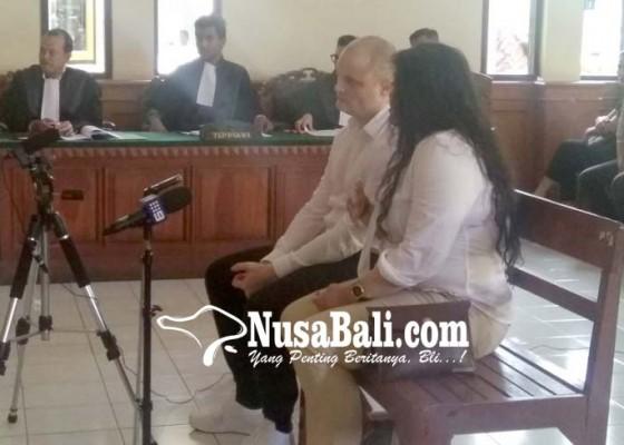 Nusabali.com - akuntan-australia-pembawa-shabu-disidang