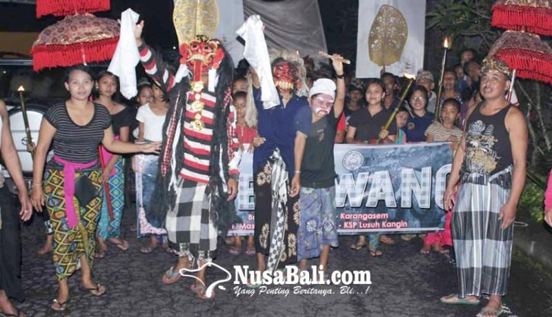 www.nusabali.com-jelang-usaba-dimel-sekaa-teruna-ngelawang-keliling-desa