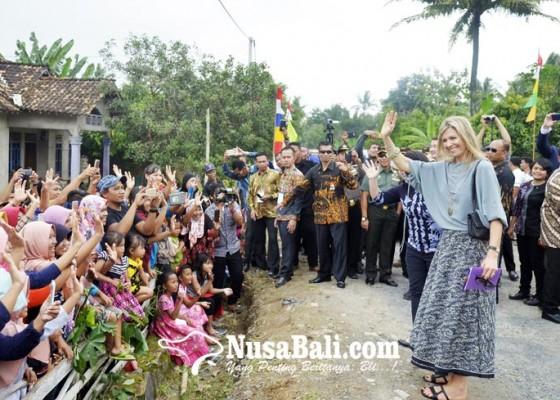 Nusabali.com - kunjungan-ratu-belanda-di-lampung