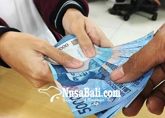 Nusabali.com - bahas-soal-pungutan-bendesa-adat-se-kabupaten-badung-gelar-paruman