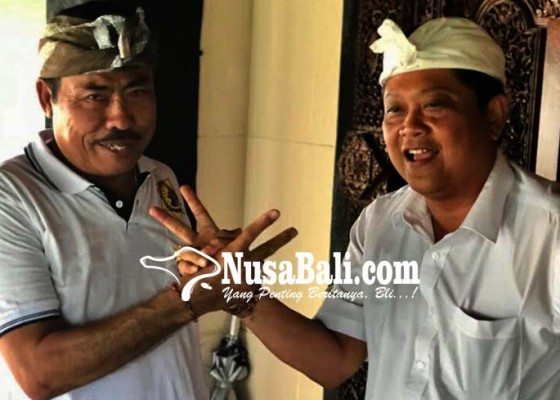 Nusabali.com - warga-nusa-penida-sambut-mantra-kerta-salam-dua-jari